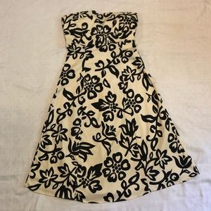 B. Darlin Strapless FloralPatterned Cocktail Dress